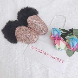 BNWT Victorias secret VS glitter slippers M
